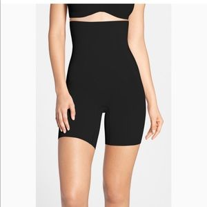 SPANX Oncore high waisted mid thigh shaper sz M